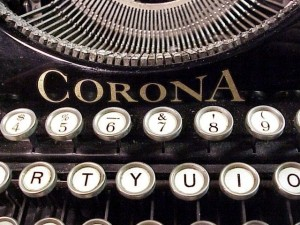 Antique_Corona_Typewriter_Keys_and_Logo